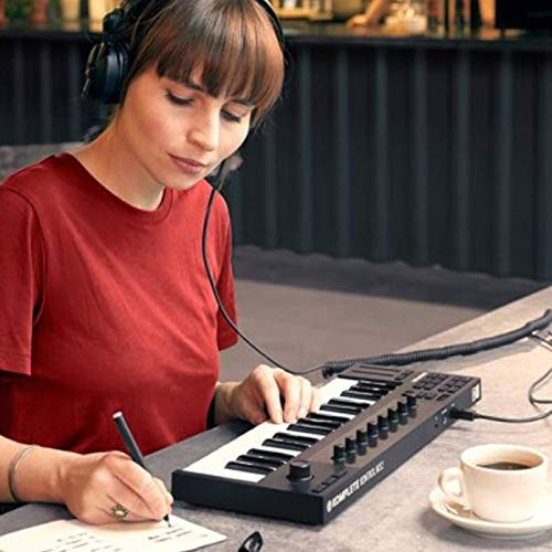 KOMPLETE KONTROL M32 Micro Keyboard